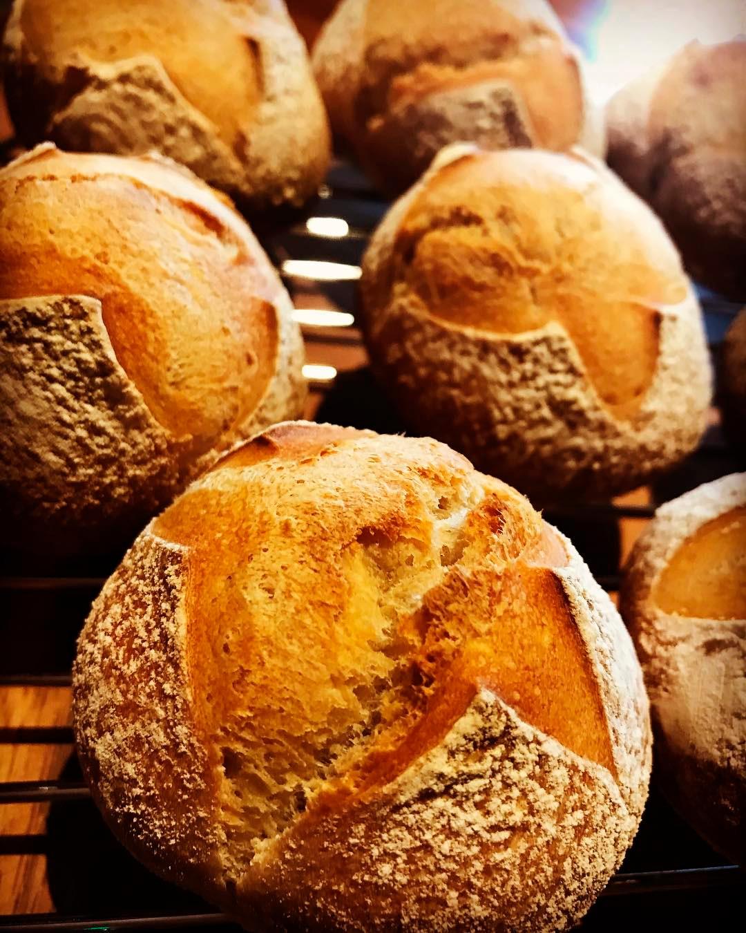 天然酵母の自家製パン