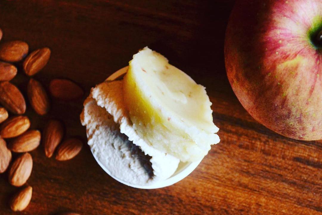 アーモンドミルクとりんご